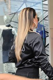 well khloe kardashian u0027s hair is looking calm cool and collected