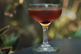 how to make a manhattan drink perfect manhattan recipe chowhound