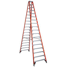 werner 18 ft fiberglass twin step ladder with 300 lb