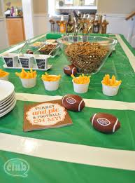 football party ideas pauline from club chica circle has great tips for football