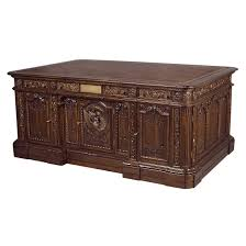 Desk In Oval Office by Good Bush Feet On Desk Oval Office In Oval Off 5853 Homedessign Com