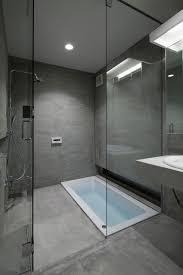badezimmer in grau ideen ehrfürchtiges badezimmer in grau badezimmer grau schwarz