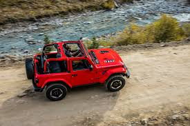 jeep soft top open all new 2018 jeep wrangler revealed at l a auto show tirebuyer