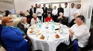 se masturbe dans la cuisine un repas de fête signé les bouffons de la cuisine matin