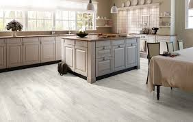 quickstep reclaimed white patina oak laminate flooring 8