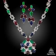 sapphire emerald necklace images Diamond carved sapphire emerald necklace suite jpg