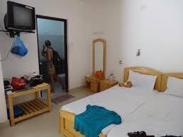 chambre avec prive la chambre avec lit et sdb privé picture of cross bill