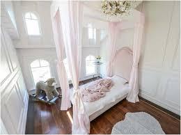 mädchen schlafzimmer bild coole himmelbett mit vorhängen mädchen schlafzimmer lapazca