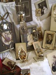display jewelry on photos this idea for vintage