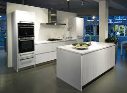 moderne kche mit kleiner insel moderne küche mit kleiner insel gut auf deko ideen zusammen mit