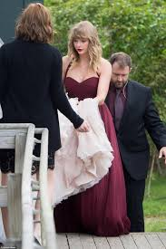 taylor swift is a bridesmaid at best friend u0027s wedding daily mail