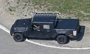 new jeep truck 2018 jeep pickup jt spied with production intent bed 2018 jeep