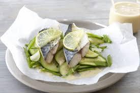 cuisiner le maquereau recette de filet de maquereau aux petits légumes beurre blanc au