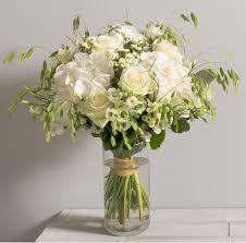 fleurs blanches mariage idée mariage nuage bouquet chêtre et aérien de roses