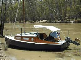 conversion from trailer sailer to low power motor boat boat