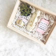 bridesmaid boxes 42 best gift boxes images on gift boxes arches and