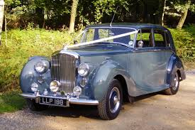 wedding hire vintage classic and luxury wedding car hire