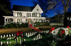 Christmas Decorations For Outdoor Railings by Traditional Christmas Decorations With Wood Railing Exterior