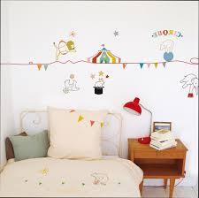 dessin chambre bébé fille stickers chambre bebe fille pas cher 4 dessin sur mur kirafes avec