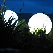 colour changing outdoor light 30 and 50cm by jusi colour