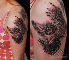 Owl Shoulder - amazing and simple owl on shoulder with stencil