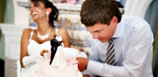 wedding cake cutting top 10 tips for properly cutting wedding cake etiquette guide