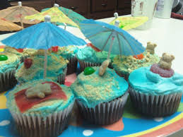 Luau Cake Decorations Easy Do It Yourself Luau Beach Cupcakes The Thrifty Mommy