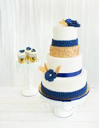 wedding cake royal blue chandelier cakes set of 3 chandelier cake stand