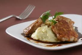 cuisiner du filet mignon de porc recette de filet mignon de porc laqué au miel et aux 5 épices purée
