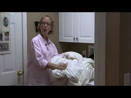 How To Wash Comforter General Housekeeping How To Clean A Comforter Youtube