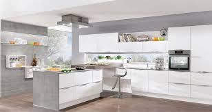 weisse küche moderne hochglanz küchen in weiß 25 traumküchen mit