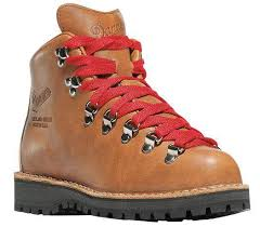 womens boots for hiking 10 of the best s hiking boots of 2018 coolhikinggear com
