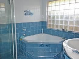 Bathroom Design With Corner Bath Using Frameless Glass Bathroom - Glass bathroom designs