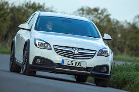 vauxhall insignia country tourer 2013 2015 rivals parkers