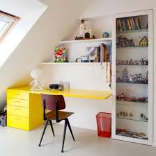 Desk Ideas For Small Spaces Best 25 Small Desk Space Ideas On Pinterest Small Bedroom