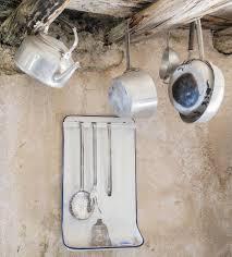 vieux ustensiles de cuisine vieux ustensiles de cuisine en aluminium photographie scalatore959
