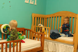 How To Convert Crib Into Toddler Bed by Baby Cribs That Turn Into Toddler Beds Laura Williams