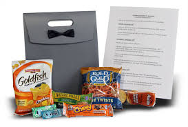 wedding hotel welcome bags guest post five tips for great wedding welcome bags eversnap