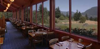 dining near hood river skamania lodge cascade dining room