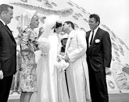 jayne mansfield wedding dress jayne mansfield and mickey hargitay at the 1964 york s