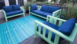 Diy Outdoor Living Spaces - four diy outdoor daybeds to liven up your outdoor living space