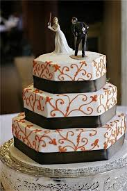 thirteen awesomely funny wedding cake toppers 13 pics