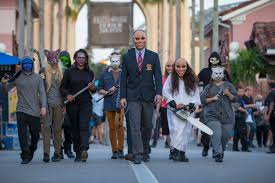 halloween horror nights florida u s halloween attractions up the scare factor the japan times