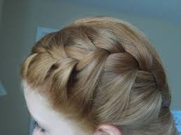 how to i french plait my own side hair how to french braid your hair in two parts youtube