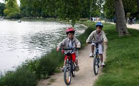 siege velo a partir de quel age le casque de vélo est obligatoire pour les enfants à partir de ce
