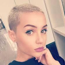 Kurze Haare Damen by Kurze Haare Ideen Auf Hübsche Damen Suche Frisuren