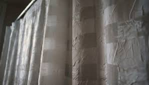 twist and fit curtain rod