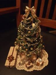 miniature tree dollhouse
