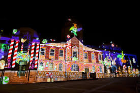 excelent lights projector on house