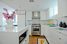 White Modern Kitchen Cabinets Contemporary Kitchen Jonathan - Contemporary white kitchen cabinets